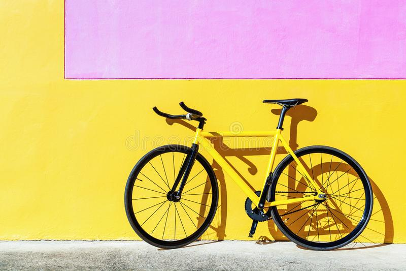 Kolorowy szlakowy rower, niezmienny przekładnia bicykl obrazy stock