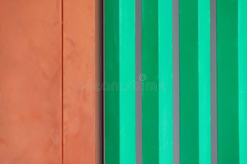Kolorowy tło, zielony drewniany windowst na zewnątrz budynku według japończyka i, fotografia royalty free