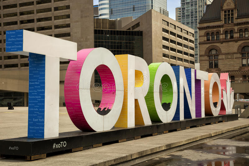 Kolorowy Toronto podpisuje wewnątrz Toronto, Kanada zdjęcia royalty free
