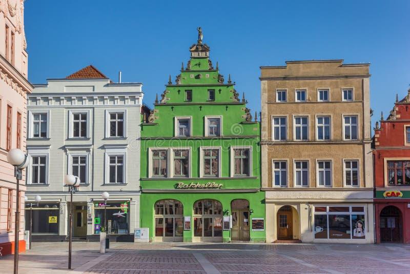 Kolorowy zielony dom na targowym kwadracie Gustrow obrazy royalty free