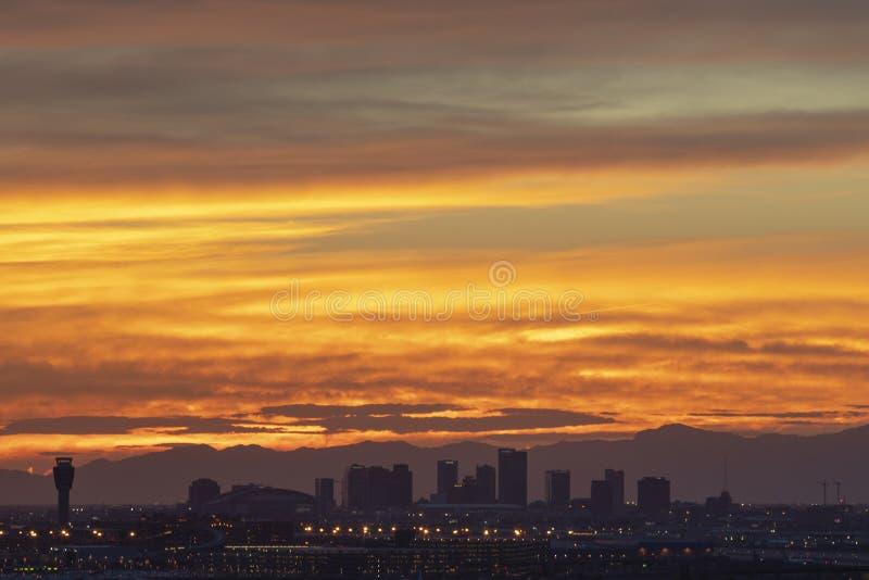 Kolorowy zmierzch W dolinie The Sun zdjęcie stock