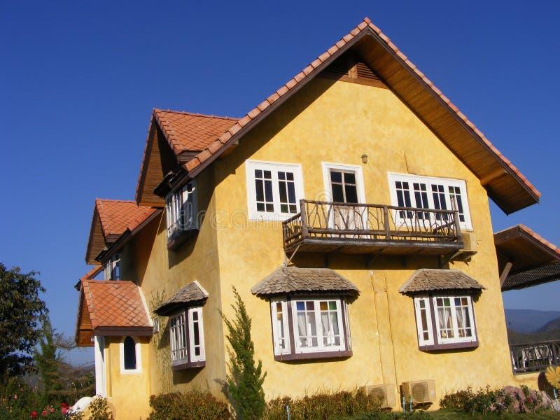 Koloru żółtego domu pobyt obrazy royalty free
