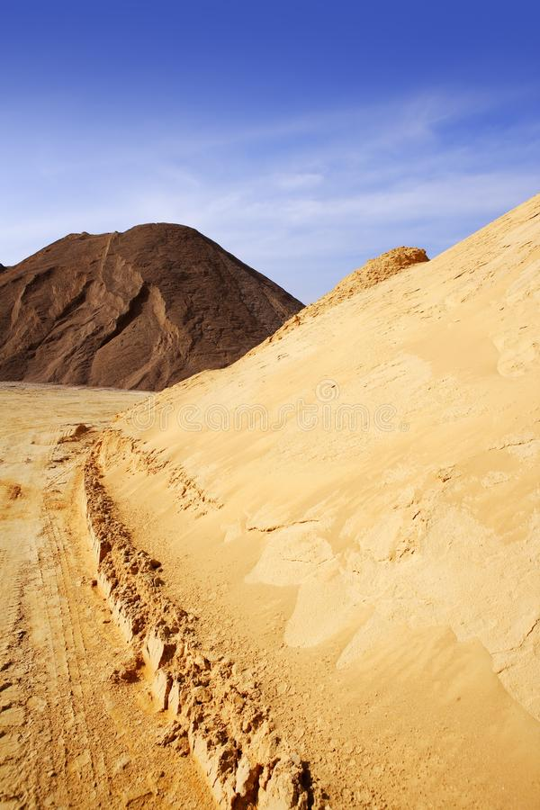 koloru kopów łupu piaska piaski zmieniający zdjęcie stock