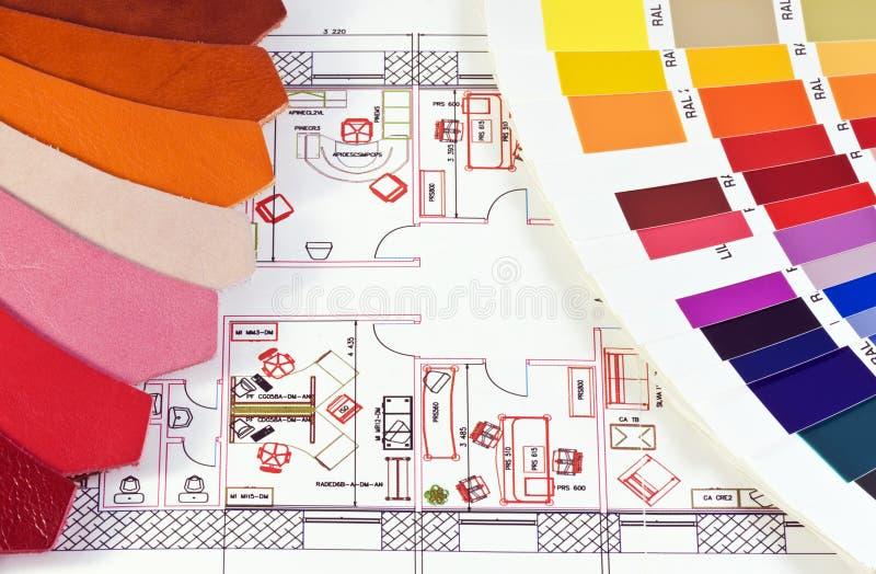 Kolory i próbki skóra na planu biurze zdjęcie stock