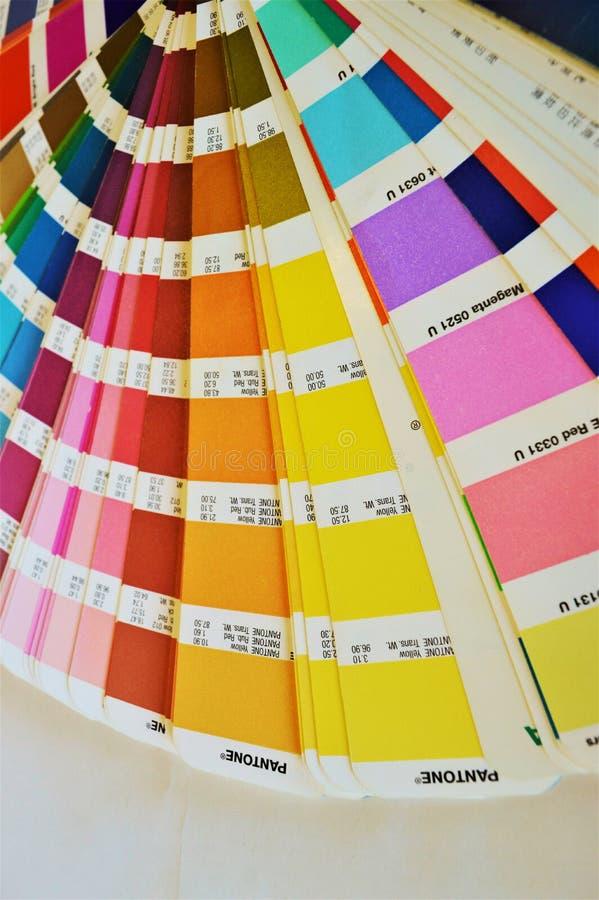 Kolory na papierze, zakończenie fotografia stock