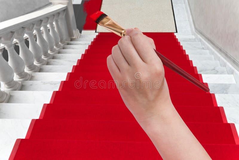 Kolorystyka czerwony chodnik na bielu marmuru schody obraz stock