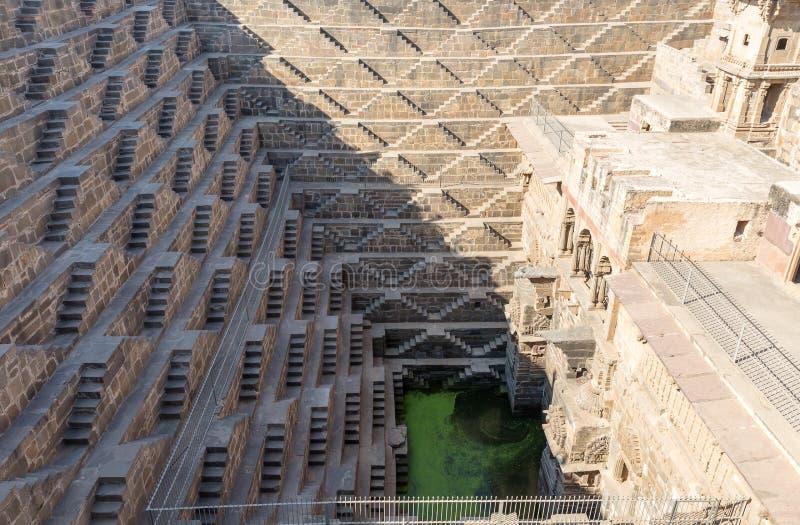 Kolosalny odmierzony zbiornik wodny, Abhaneri, Rajasthan, India zdjęcie royalty free