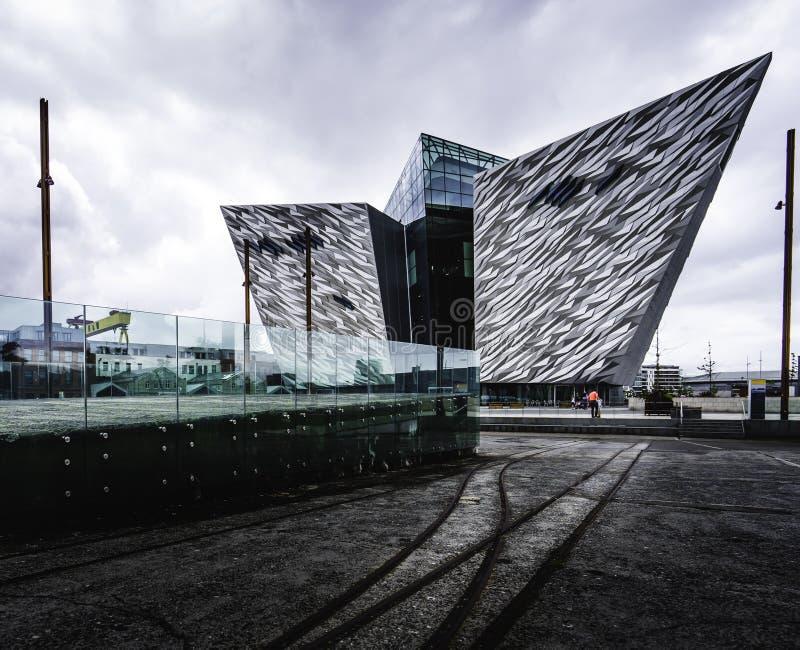 Kolossalt museum Belfast i Irland royaltyfria bilder