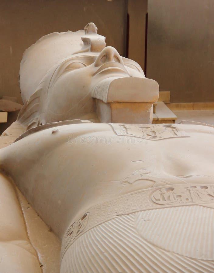 Kolossen av Ramses II i Memphis, Egypten. arkivbilder