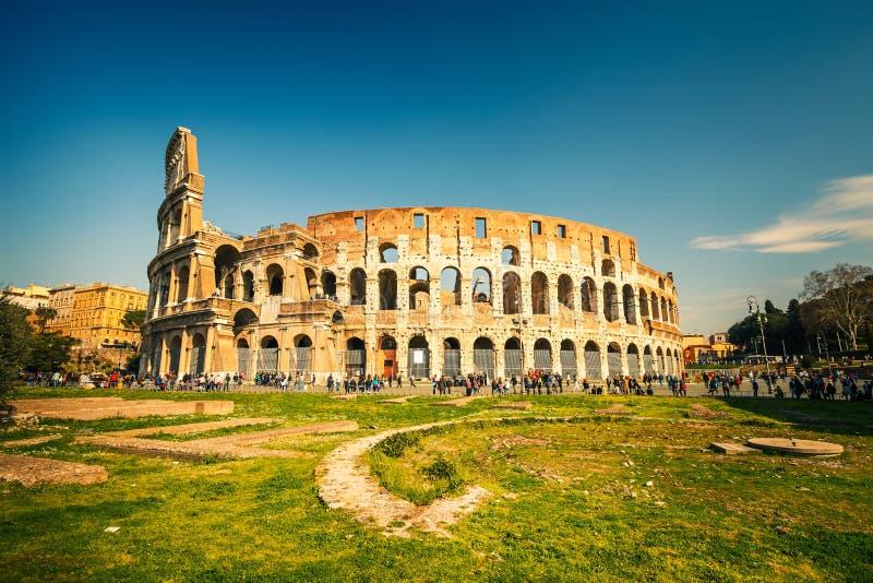 Download Kolosseum in Rom stockfoto. Bild von europa, architektur - 26369866