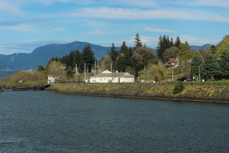 Kolumbia rzeki kaskada blokuje Oregon zdjęcia stock