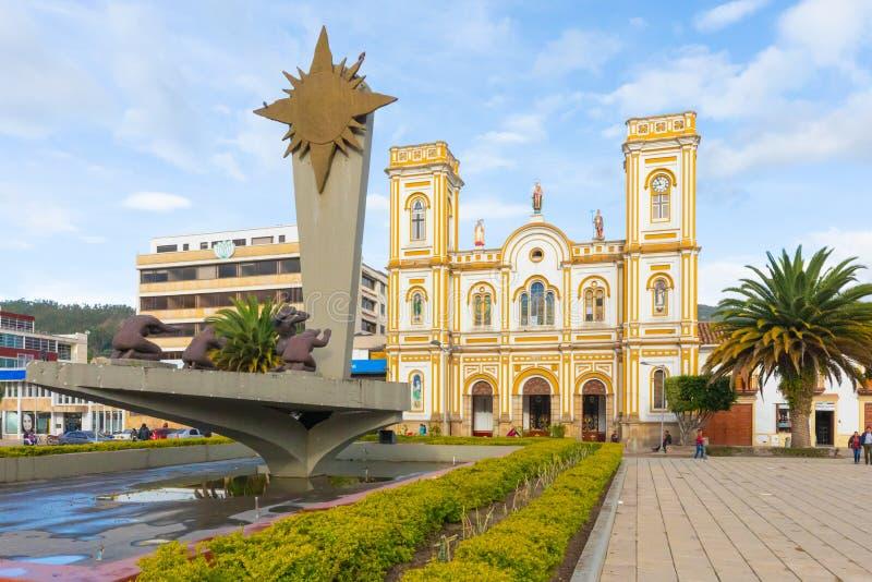 Kolumbia Sogamoso Saint Martin wycieczki turysycznej katedra i s?o?ce zabytek zdjęcie stock