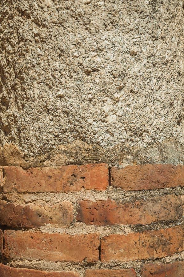 Kolumna robić cegły i cementu grout przy Merida fotografia royalty free