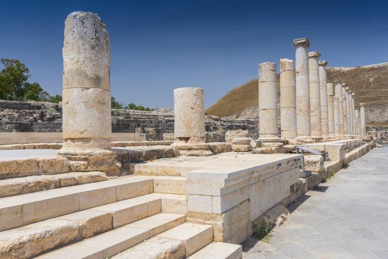 Kolumny na Bizantyjskiej Palladius ulicie przy Beit Ona «archeologiczny miejsce, Jordanowska dolina obraz royalty free
