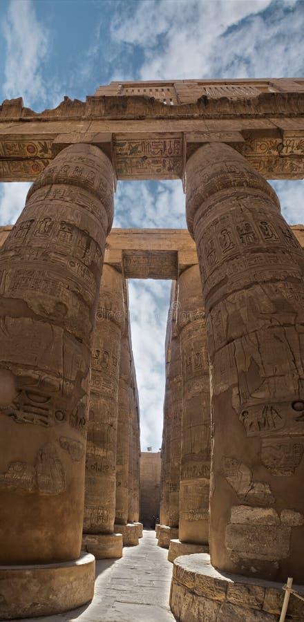 Kolumny przy świątynią Karnak obraz stock