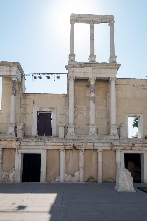 Kolumny za sceną Plovdiv antyczny Romański stadium, Bułgaria obraz royalty free