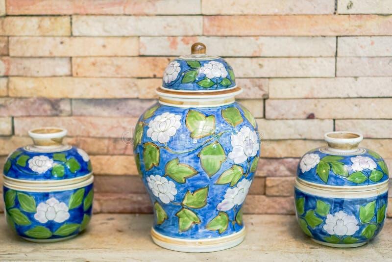 Kom van het close-up de Oude Porselein, Porseleinkunstenaar stock foto's