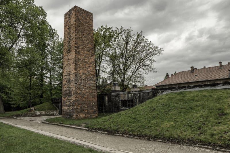Komin od komory gazowej przy koncentracyjnym obozem w Auschwitz Ja, Polska obraz stock