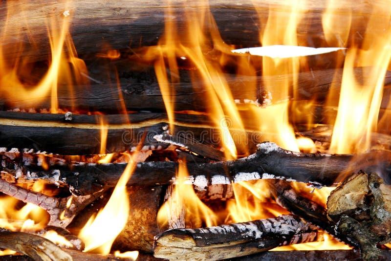 kominków płonący drewna zdjęcie royalty free
