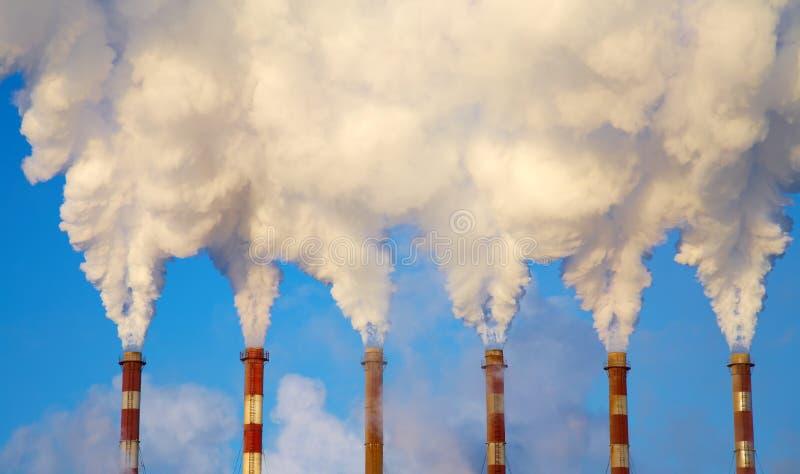 Download Kominu dym zdjęcie stock. Obraz złożonej z biznes, chemical - 13339266