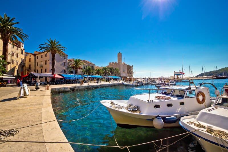 Komiza地中海镇在力海岛上的 免版税图库摄影