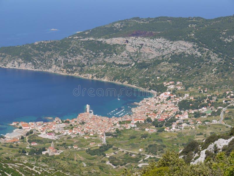 Komiza en el mediterráneo imagen de archivo