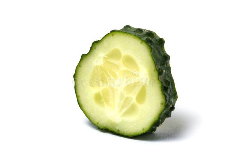 Komkommer die op een witte achtergrond wordt geïsoleerdt stock afbeelding