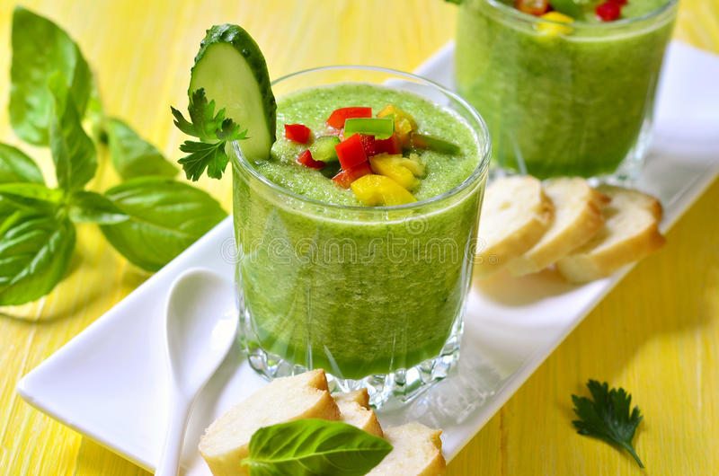 Komkommergazpacho stock afbeelding