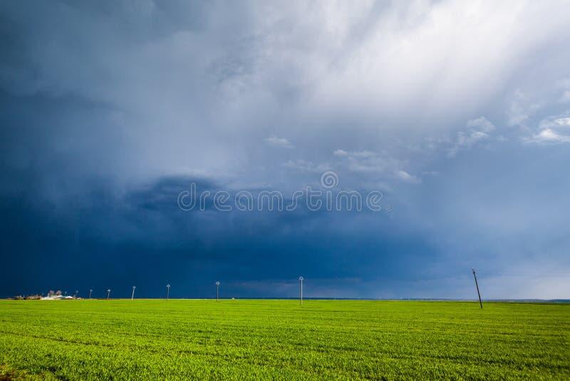 Komma för dåligt väder arkivbild