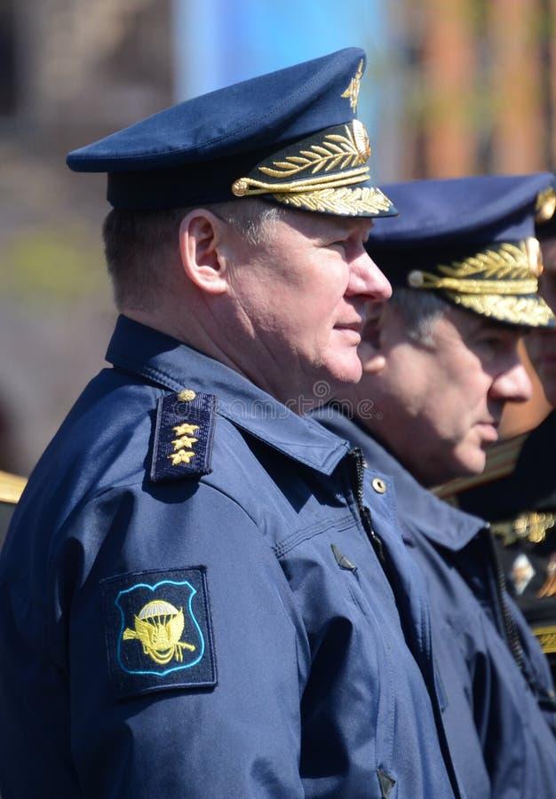 Kommendörkapten av de luftburna styrkorna av Ryssland, Överste-allmänna Andrey Serdyukov royaltyfri foto