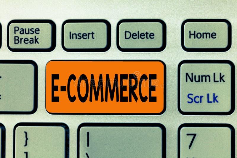 Kommers för ordhandstiltext E Affärsidéen för kommersiella transaktioner förde elektroniskt på internet royaltyfri fotografi