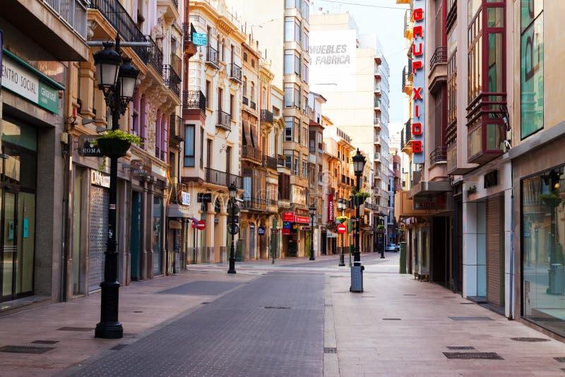 Kommersiell gata i Castellon de la Plana, Spanien. fotografering för bildbyråer