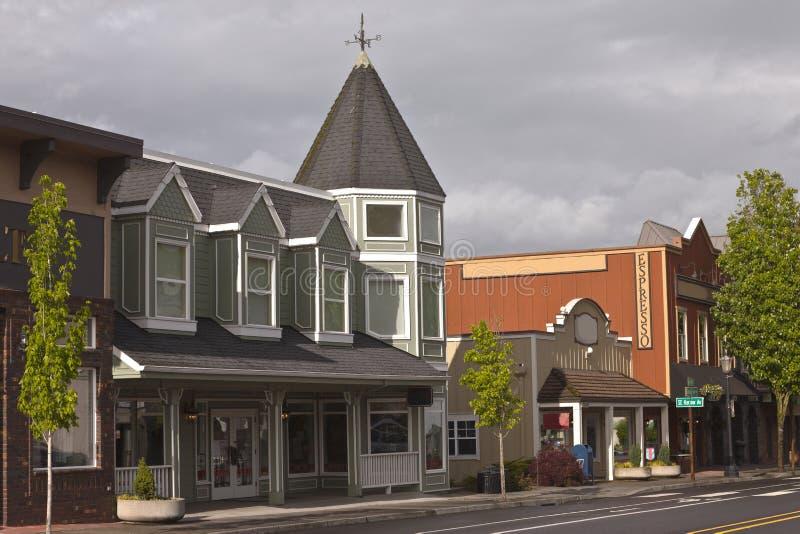 Kommersiell gata i i stadens centrum Troudale Oregon royaltyfria foton