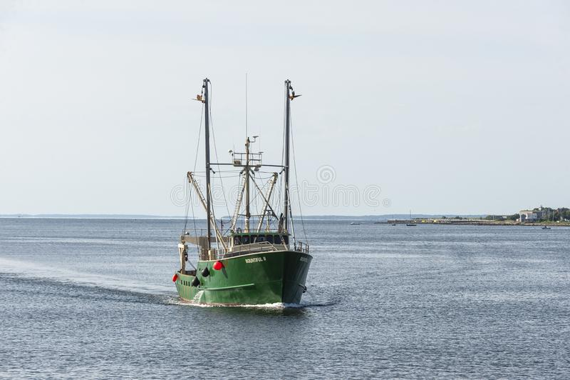 Kommersiell korsa New Bedford yttre hamn för fiska skyttel överflödande II royaltyfria foton