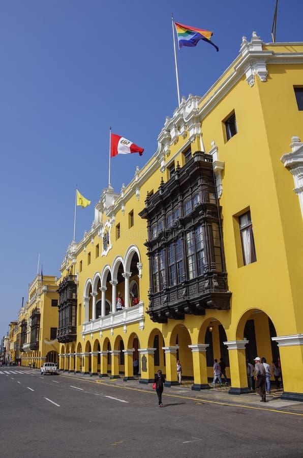 Kommunal byggnad i Plazaborgmästare förr, Plaza de Armas in arkivbild