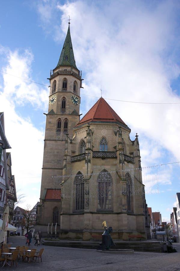 Kommunal kyrka - dropp - Schorndorf - Tyskland fotografering för bildbyråer