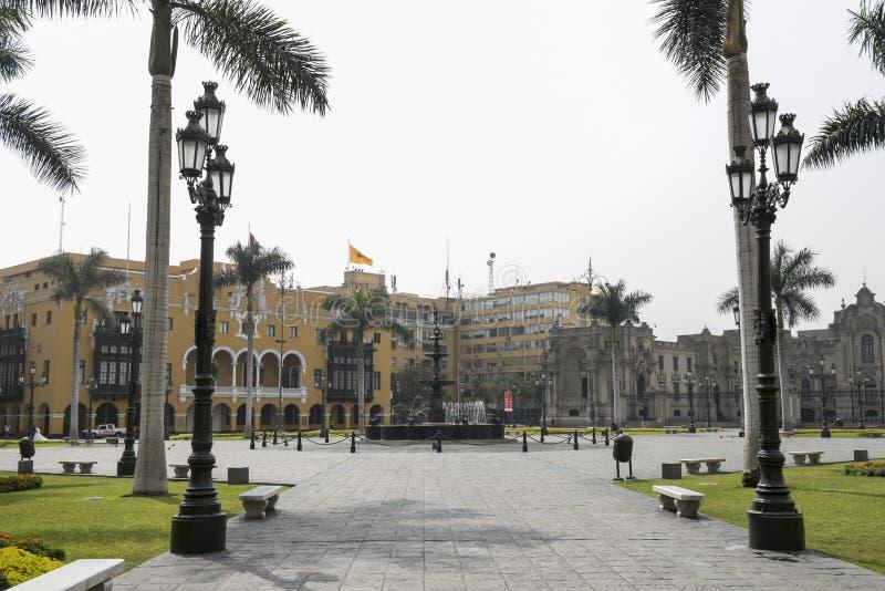 Kommunalt byggande stadshus för Lamunicipalidadde lima på plazaborgmästarearmas lima Peru fotografering för bildbyråer