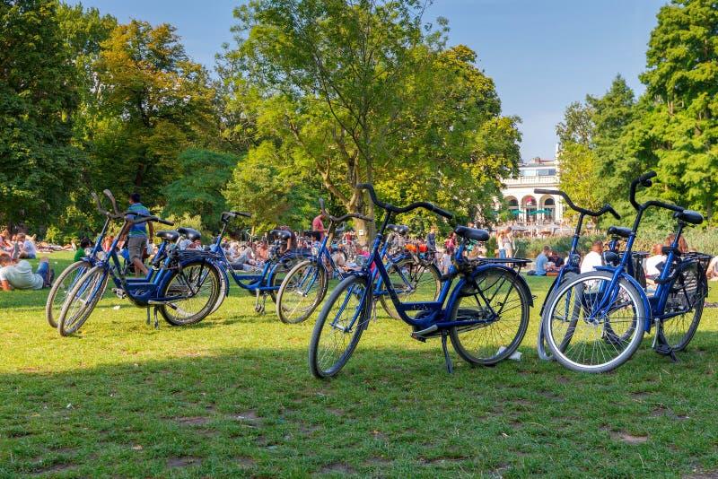 _ Kommunalt parkera Vondelpark arkivbilder