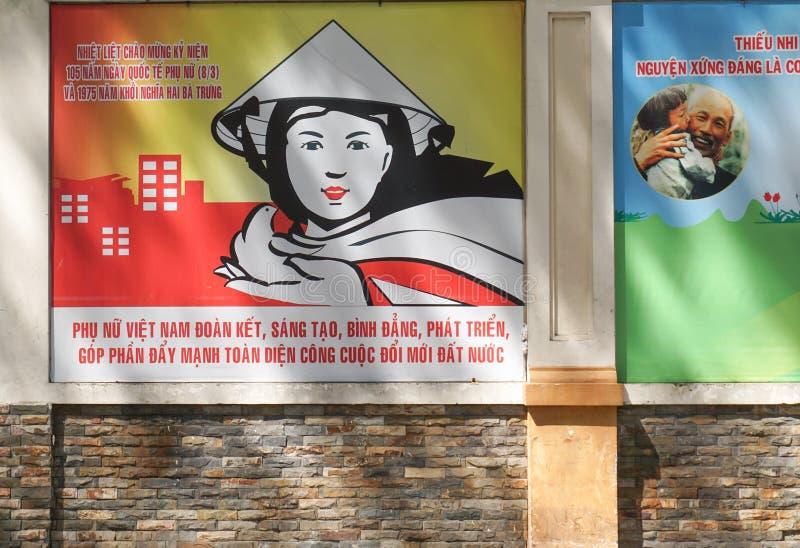Kommunistische Propaganda unterzeichnet herein Saigon stockbild