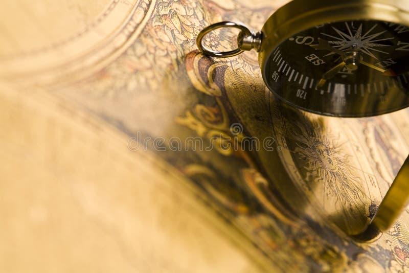 Kompas & Oude kaart stock afbeelding
