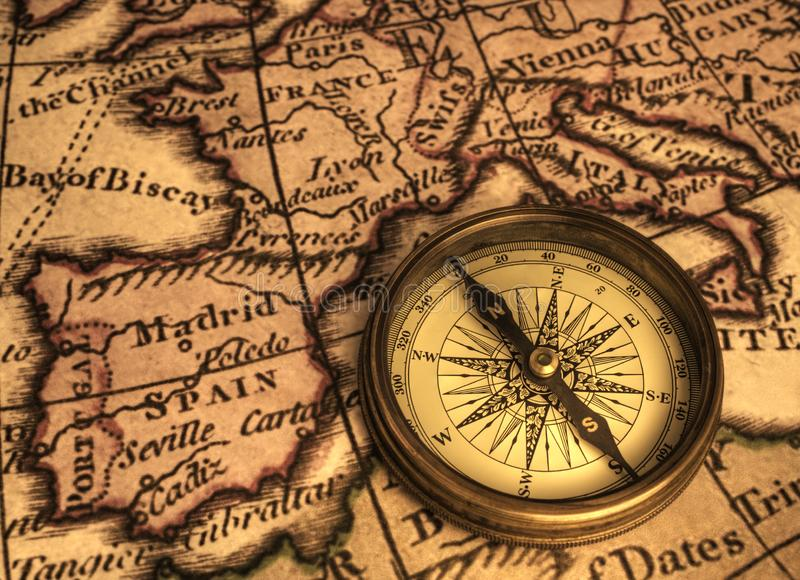 Kompas en Oude Kaart van Soth-West-Europa stock fotografie