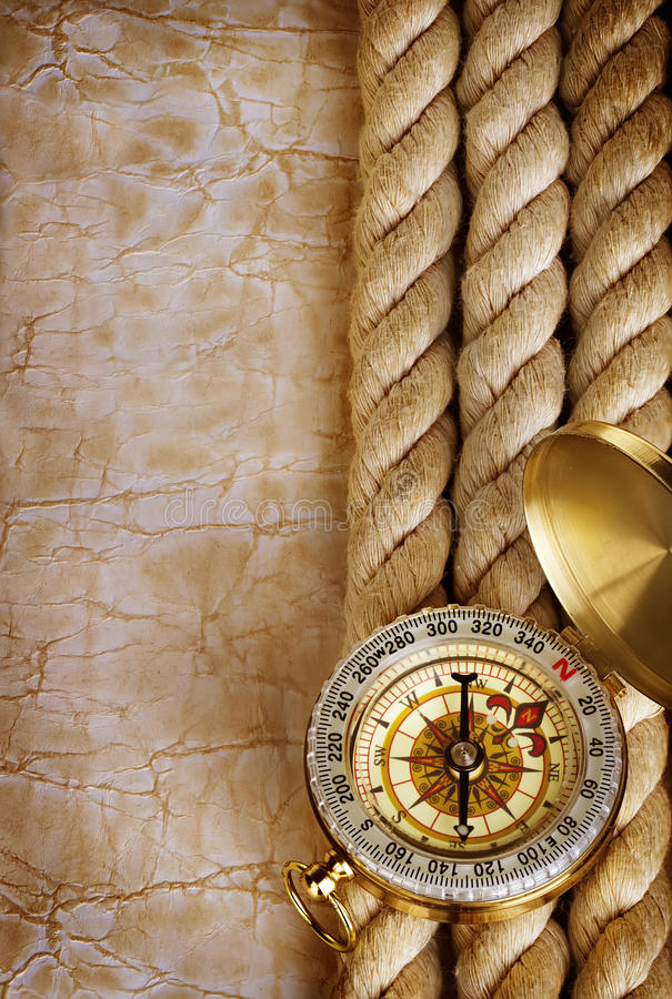 Kompas i arkana na rocznika starym papierze zdjęcie royalty free