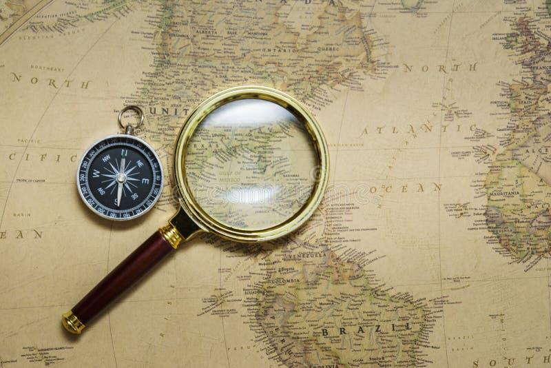Kompas i Mapa zdjęcia stock