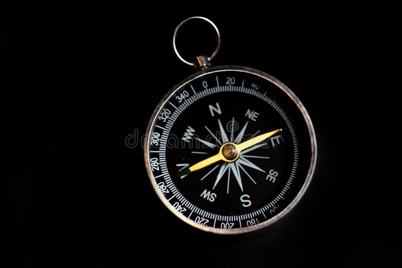 Kompas na czerni obrazy stock