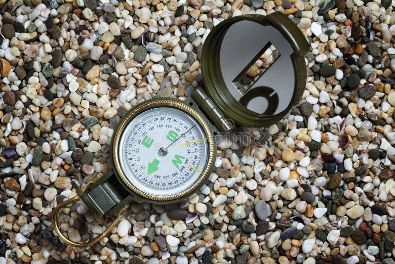 Kompas na piasku obraz royalty free