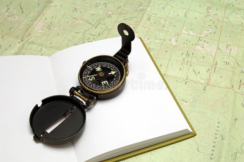 Kompas op Dagboek stock afbeelding