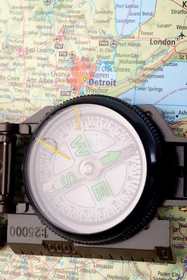 Kompas op moderne kaart royalty-vrije stock afbeeldingen
