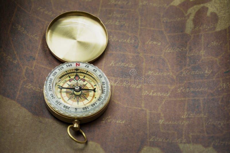 Kompass och översikt royaltyfria foton