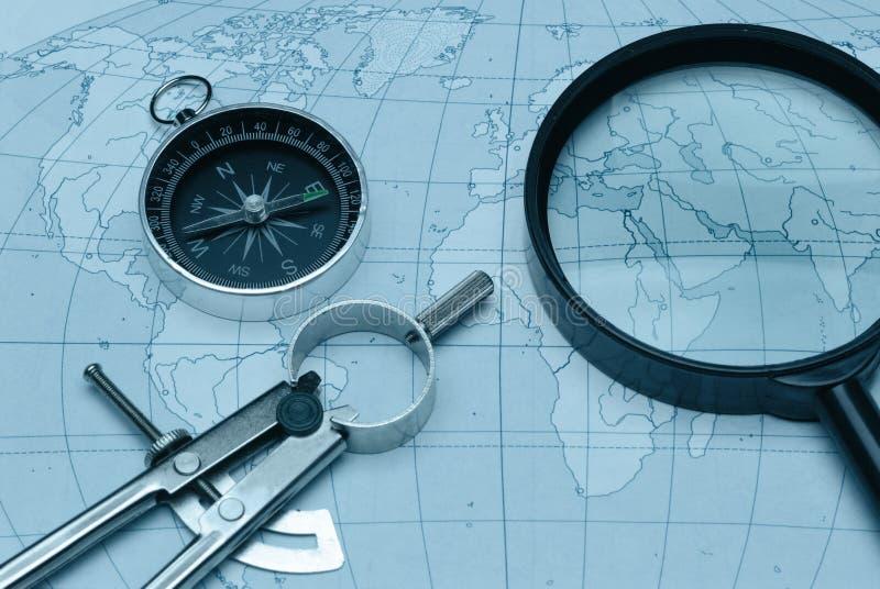 kompassförstoringsapparatöversikt arkivfoton