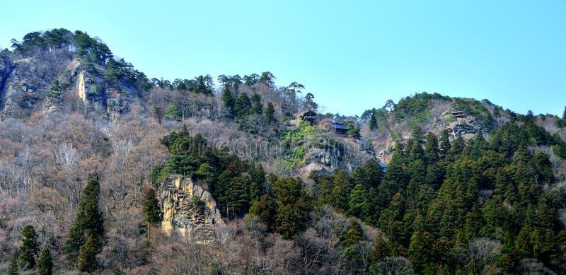Komplex för Yamadera tempelrelikskrin royaltyfri foto